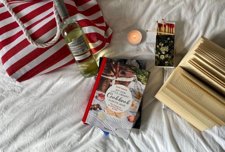 Mit dem Little Library Cookbook durchs Jahr Beitragsbild